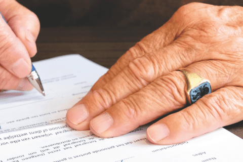 Pros and Cons of Annuity Retirement Income